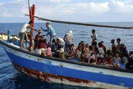 Pengungsi Rohingya Terdampar di Perairan Aceh Utara Page 3 Small