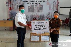 PTPN XIII kembali serahkan bantuan paket sembako di Landak