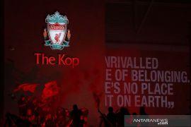 Fans Liverpool merahkan kota untuk rayakan juara