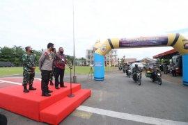 Polda Kalbar berikan 8.830 paket sembako bagi masyarakat terdampak COVID-19