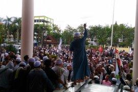 Ratusan massa demo tolak RUU HIP di Kantor DPRD Kalbar