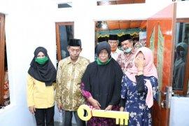 Polda Maluku Utara bedah rumah warga kurang mampu