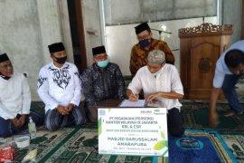 Pegadaian Salurkan Bantuan untuk Pembangunan Masjid Darussalam Perumahan Amarapura