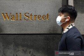 Wall Street menguat di tengah laba beragam dan debat stimulus