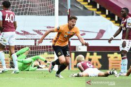 Liga Inggris: Wolverhampton lompati United usai kalahkan Aston Villa