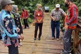 Komisi III Dewan Tabalong tinjau infrastruktur Desa Burum