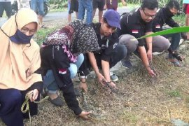 Di Kabupaten Kediri, warga lepas hewan liar tekan hama