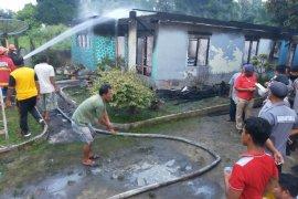 Satu unit rumah musnah terbakar di Bandar Huluan Simalungun