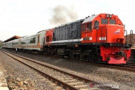 Tiga kereta api jarak jauh tetap beroperasi hingga 31 Juli 2020