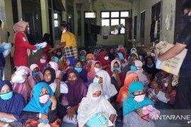 PMI salurkan paket bantuan untuk pengungsi Rohingya terdampar di Aceh