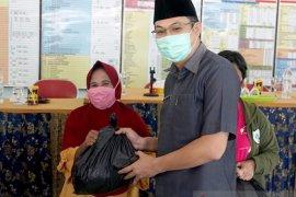 Pemkab Bangka Barat bantu sembako melalui kegiatan pasar murah