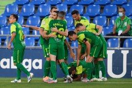 Eibar menjauhi zona degradasi setelah taklukkan Granada 2-1