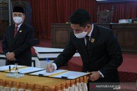 Video - Dua buah raperda inisiatif DPRD HSS disepakati jadi Perda