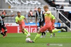 Man City tembus semifinal Piala FA usai menang atas Newcastle