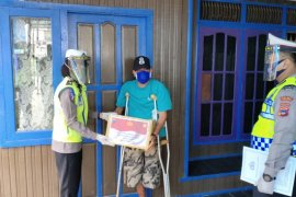 Polres Tabalong bantu sembako bagi korban lakalantas