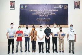 Poltekpar Medan serahkan bantuan COVID-19 dari Kemenparekraf