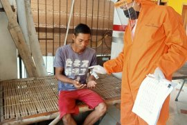 KPU Karawang distribusikan APD untuk 309 petugas PPS