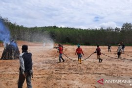 PT LAJ dan PT Wanamukti Wisesa latih personel dan siapkan peralatan pencegahan karhutla