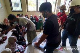 PMI bangun MCK dan air bersih di lokasi penampungan Muslim Rohingya di Aceh