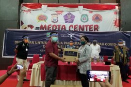 Kemenparekraf salurkan 3.607 paket ke pekerja Parekraf di Malut