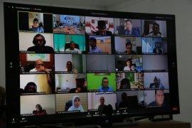 Seminar daring, Bupati Anas paparkan program Smart Kampung Banyuwangi