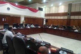 DPRD : terima siswa baru di Maluku sebaiknya gunakan sistem online