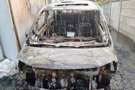 Dituding rekayasa, Via Vallen buka suara soal mobilnya  yang terbakar