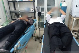 Enam personel polisi luka-luka dalam kerusuhan di Mandailing Natal