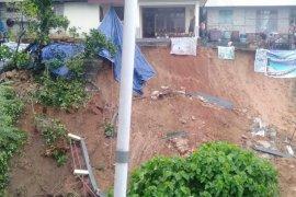 Tanah longsor terjadi di sejumlah titik di Kota Ambon