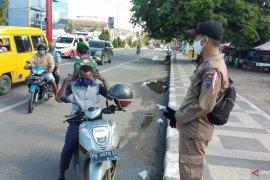 Pemerintah Kota Sorong bagikan 5.000 masker bagi masyarakat