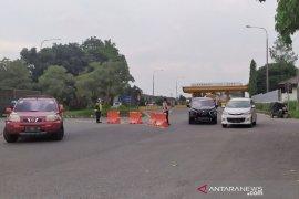 Arus kendaraan masuk Kota Bandung meningkat