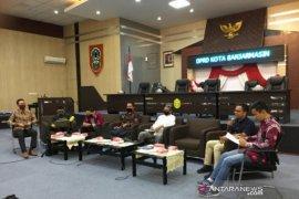 Advertorial- DPRD Banjarmasin telah uji publik lima Raperda inisiatif