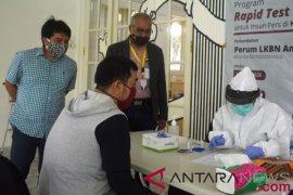 Kantor berita ANTARA gelar tes cepat COVID-19 untuk karyawan Kumparan
