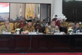 Komisi VIII DPR  dan Kemensos tegaskan bansos harus tepat sasaran