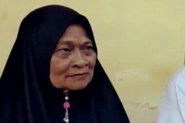 Wanita tua ini mau dijebloskan ke penjara oleh anak kandungnya, karena motor warisan