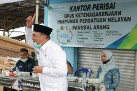 Gubernur Erzaldi harap warga Pangkalarang jadi peserta BPJS Ketenagakerjaan