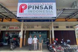 Pinsar Kalbar protes kebijakan impor telur dan ayam dari Malaysia
