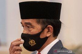"""Presiden Jokowi cek keamanan enam kabupaten melalui """"video conference"""""""