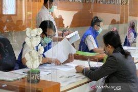 Disdukcapil Kota Tangerang layani pengambilan dokumen secara langsung