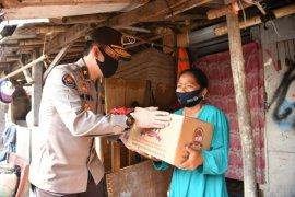 Polri salurkan 1.500 paket sembako bagi pemulung Bantar Gebang