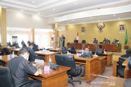 Wali Kota sampaikan raperda LPj APBD 2019 ke DPRD