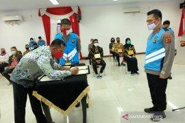 Panitia dan calon polisi Jambi teken fakta integritas  bersih KKN