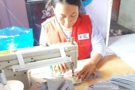 PMI pusat tunjuk relawan Sibat Banyuwangi produksi masker kain (video)
