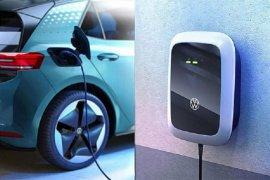 Kemarin, RI jadi produsen kendaraan listrik sampai bantuan mesin IKM