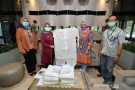 Pupuk Kaltim Salurkan Bantuan APD Tenaga Medis di Bontang dan Samarinda