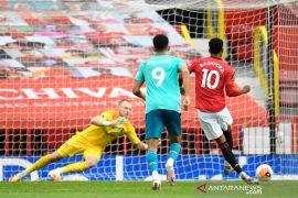 Liga Inggris: Solksjaer sayangkan penggemar tak bisa tonton langsung MU lumat Bournemouth