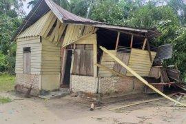 Rumah rusak dihantam angin puting beliung jadi 103 unit di Aceh Timur