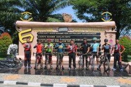 Danlantamal I Belawan gowes dari Medan ke Yonif 8 Marinir Tangkahan Lagan Langkat