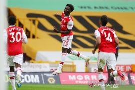 Arsenal lanjutkan tren positif, tundukkan Wolverhampton 2-0