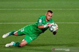 Granada  perpanjang rentetan tanpa kemenangan Valencia